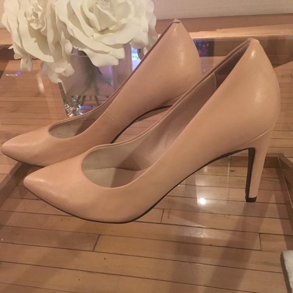 cafaf290d19 Cole Haan Shoes - Nude Cole Haan Quincy Pumps